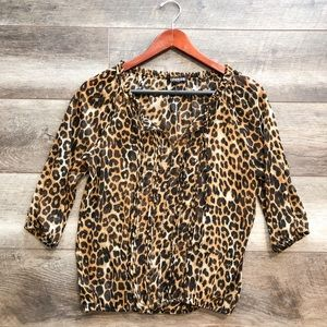 Woman cheetah print blouse with long sleeves